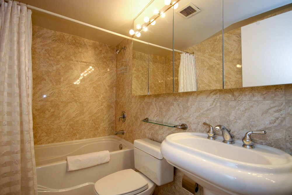 Bay Bloor 1-bathroom